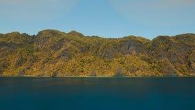 Tropisk lagun för flyg- sikt, hav, strand tropisk ö Busuanga Palawan, Filippinerna Arkivfoton