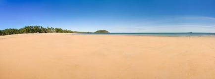 tropisk oskuld för strand Royaltyfria Bilder