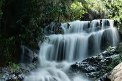 Tropisk paradisvattenfall Royaltyfria Bilder