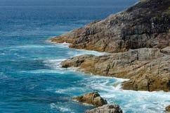 Tropisk sandstrand och havsvatten Royaltyfri Bild