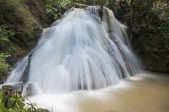 Tropisk skog Asien för vattenfall Royaltyfri Fotografi