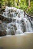 Tropisk skog Asien för vattenfall Royaltyfri Foto
