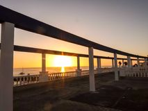 Tropisk solnedgång för hav Royaltyfria Bilder