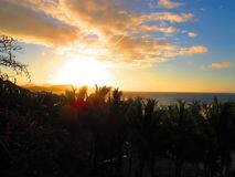 Tropisk solnedgång i Fiji Royaltyfri Foto