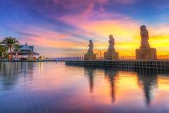 Tropisk solnedgång på simbassängen Fotografering för Bildbyråer