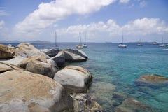 tropisk stenig shoreline royaltyfri fotografi