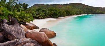 tropisk strand Arkivbild