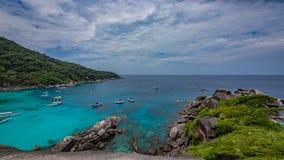Tropisk strand för turkoshavssten arkivfoton
