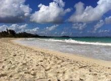 Tropisk strand, Guam royaltyfri bild