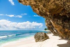 Tropisk strand i Bali Arkivbilder