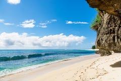 Tropisk strand i Bali Arkivfoto