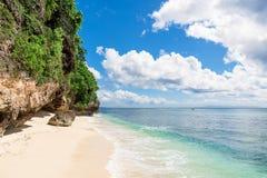 Tropisk strand i Bali Arkivbild
