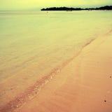 Tropisk strand i Bali, Indonesien Royaltyfria Foton