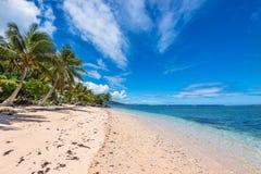 Tropisk strand i västra Samoa Fotografering för Bildbyråer