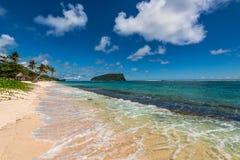 Tropisk strand i västra Samoa Royaltyfria Bilder