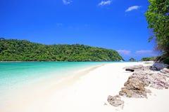 Tropisk strand, koh Rok för Andaman hav Fotografering för Bildbyråer