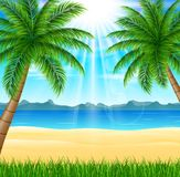 Tropisk strand med den ljusa solen Arkivbild