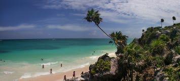 tropisk strandpanorama Royaltyfri Foto