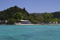 Tropisk strandsemesterort, Thailand Royaltyfri Foto