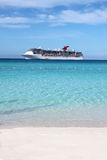 tropisk strandship royaltyfria bilder