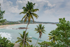 Tropisk strandsikt från berget Arkivbild