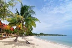 tropisk strandstol Royaltyfri Fotografi