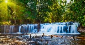tropisk vattenfall Arkivbilder