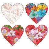 Tropiska blommor i formen av hjärtavektoruppsättningen skissar in stil som isoleras på vit bakgrund royaltyfri illustrationer