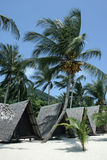 tropiska bungalower Arkivfoton