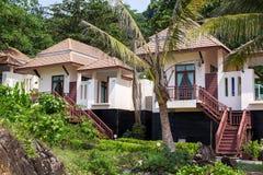 Tropiska semesterorthus i Thailand Resor Arkivbild