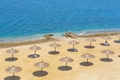 tropiska strandett slags solskydd Fotografering för Bildbyråer