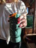 Tropiska Tiki Cocktail royaltyfri fotografi