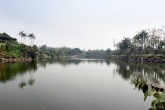 Tropiska trädgårds- Nong Nooch, sjö Royaltyfri Bild