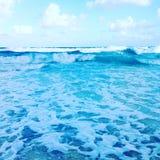 Tropiska vattenvågor Arkivfoto