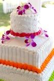 tropiskt bröllop för cake Arkivfoto
