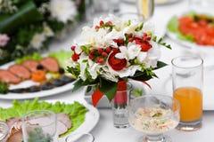 tropiskt bröllop för bukett arkivbild