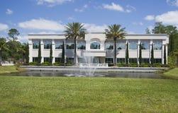 tropiskt byggnadskontor arkivfoton