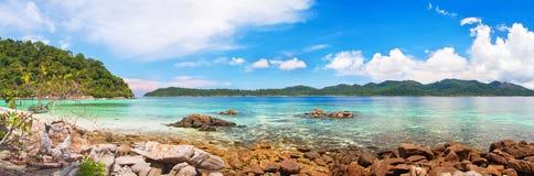 tropiskt härligt hav royaltyfria foton