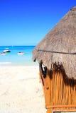 Tropiskt hav för kabin på karibisk turkos royaltyfria foton