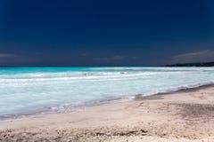 Tropiskt hav i sommartiden Arkivfoto