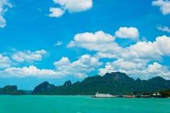 Tropiskt hav och kust nära Koh Samui Fotografering för Bildbyråer