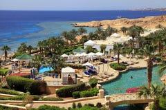 Tropiskt hotell för lyxig semesterort, Egypten fotografering för bildbyråer