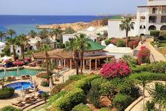 Tropiskt hotell för lyxig semesterort, Sharm el Sheikh, Egypten royaltyfri fotografi