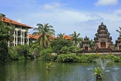 Tropiskt hotell i Bali, Indonesien royaltyfri foto