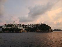 tropiskt landskap i det traditionella området av Acapulco, Mexico arkivfoto