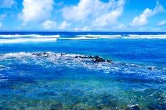 Tropiskt landskap i Hawaii, Kauai Royaltyfria Bilder