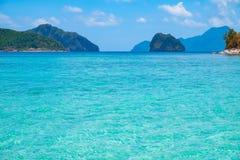 Tropiskt landskap med den blåa lagun, Filippinerna Fotografering för Bildbyråer