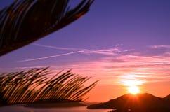 Tropiskt landskap på solnedgången på Italien Royaltyfria Bilder