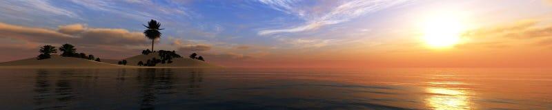 Tropiskt landskap, strand med palmträd på solnedgången royaltyfria bilder