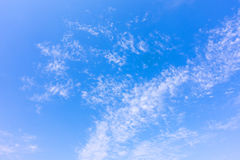 Tropiskt moln för blå himmel, abstrakt molnbakgrund, skyscape Royaltyfri Foto